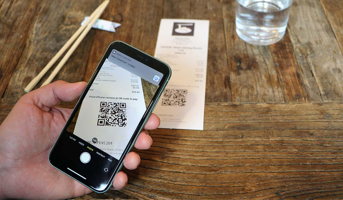 Scanning QR code on restaurant check