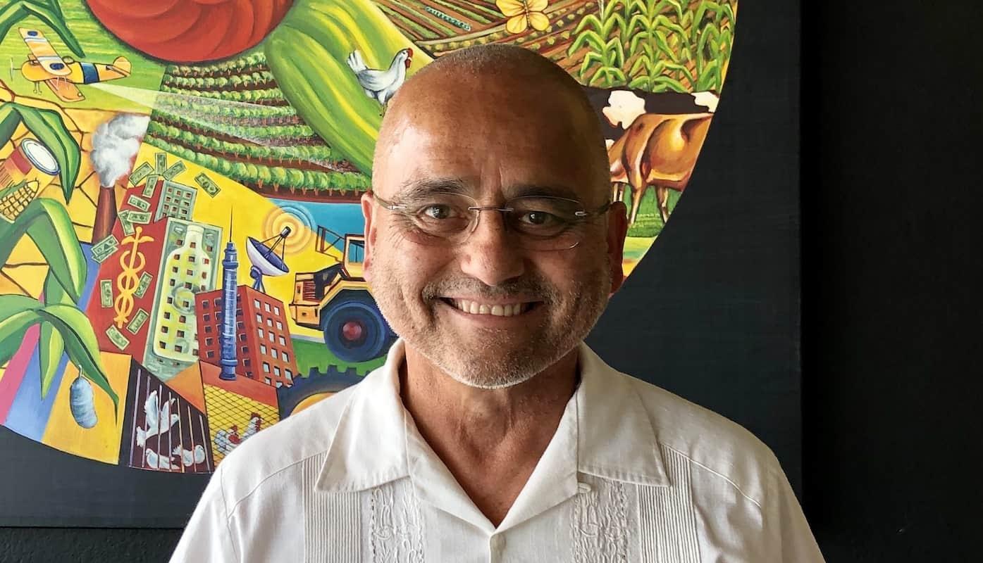 Carlos Ortez at Un Solo Sol