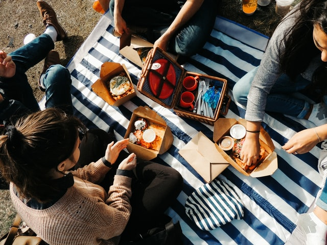 Picnic box lunches