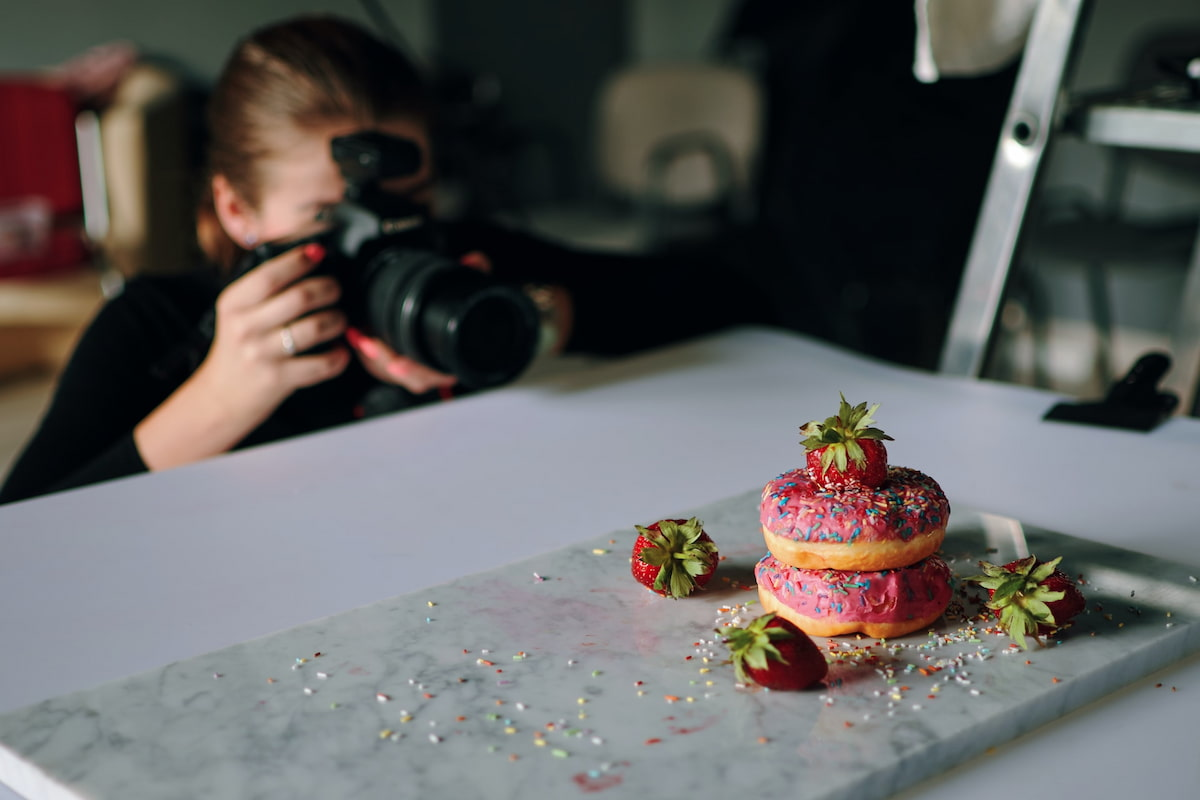 Staging a food photo